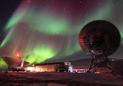 Aurora over Eiscat Svalbard Radar.