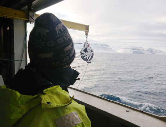 On the way out to the Isfjorden-Adventfjorden time series station (IsA).